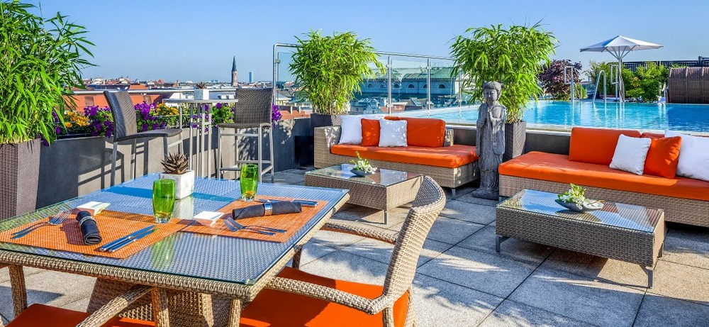 top 5 des terrasses avec vue sur les toits de munich. Black Bedroom Furniture Sets. Home Design Ideas