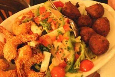 Assiette d'un plat de Makassar à Munich