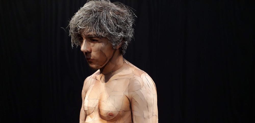 Scultpture d'Oliver Harring, homme réalisé en patchwork de photos, présentée à la Kunsthalle de Munich, expo Lust der Täuschung